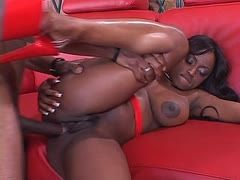 Jada Fire lässt Lümmel in den Black Butt